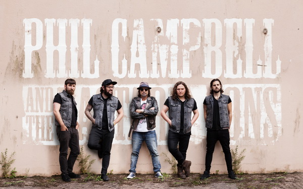 Stormin the Castle - Phil Campbell & The Bastard Sons